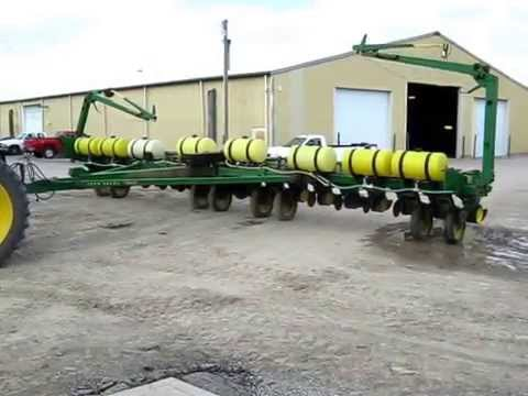 John Deere 7000 Planter Unfolding Parrott Implement Youtube