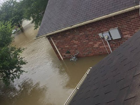 USA Harvey flood: 10 killed, 35,000 evacuated, US Army Corps release water from dams flooding risk