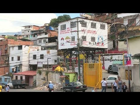 Maduro orders refinancing of external debt, makes $1 billion payment