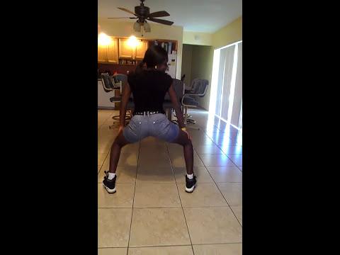 African girl twerkingKaynak: YouTube · Süre: 2 dakika17 saniye