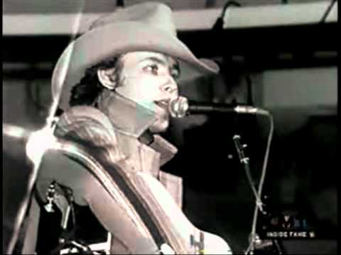 Dwight Yoakam - Heart That You Own - Acoustic