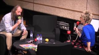 SEBASTIEN TELLIER AU STUDIO 105 DE FRANCE INTER DANS L'EMISSION LIVE ME DO PRESENTEE PAR VALLI TIMBE