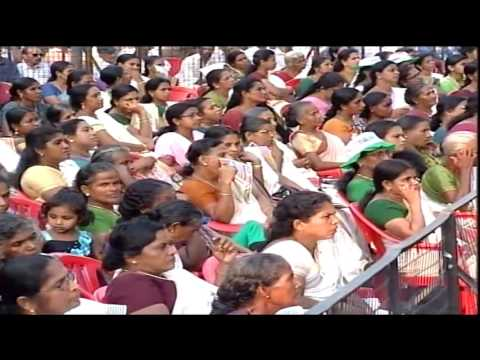 Congress President Smt. Sonia Gandhi addresses public rally in Trissur, Kerala, May 9, 2016
