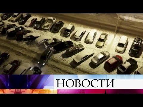 Около 20 машин протаранил водитель внедорожника в подмосковном городе Раменское.