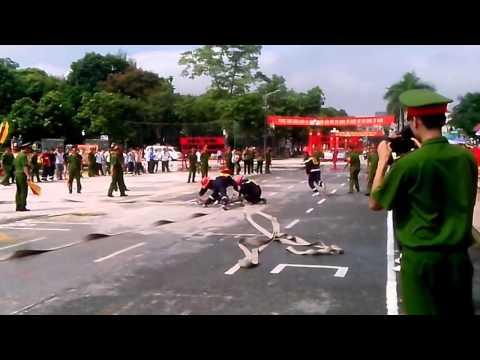 Đội hình chữa cháy 2 lăng B phun tiêu điểm | PC66 Hải Dương 30/8/2014