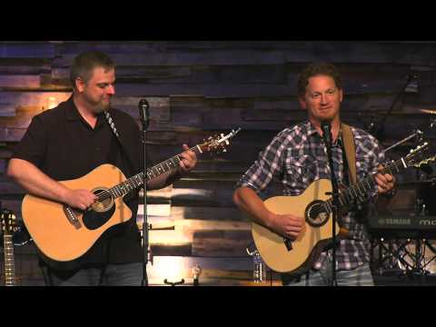 The Tweet Song - Tim Hawkins & Jonnie W.