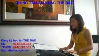 Video 5: Đàn và hát bài Việt Nam quê hương tôi