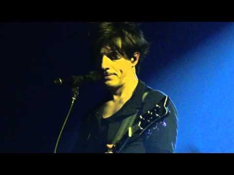 Indochine Un Singe en Hiver - Paradize + 10 au Zénith Paris 02/02/2012