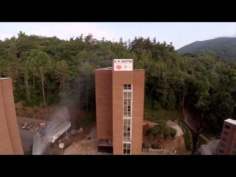 winkler-hall-implosion-by-dh-griffin-companies---appalachian-state-university--2014-