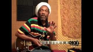 How To Play Reggae Guitar with TUFF LION