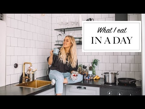 WHAT I EAT IN A DAY!   PART 2: Easy and Simple thumbnail
