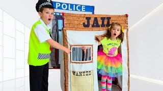 Max go to Toy Jail Playhouse