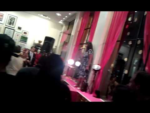Fashion Night Out Karaoke # 1