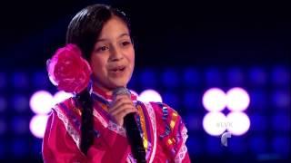 """Leslie Mendoza canta """"El crucifijo de piedra"""" en La Voz Kids"""