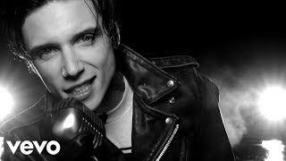 Смотреть клип Andy Black - We Don'T Have To Dance
