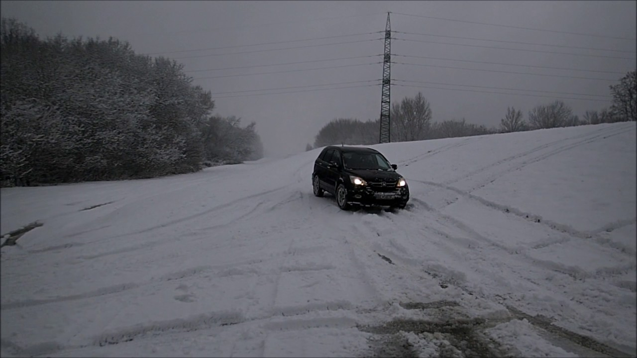 Chevy Cruze Problems >> Honda CR-V in snow - YouTube
