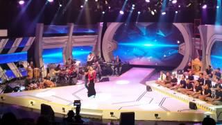 Download lagu AKON Versi Kelantan Dok Mano (live) rtm-Man Khan feat Rosalinda sesi latihan