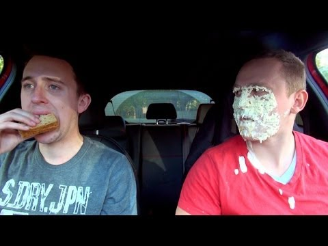 10 Things You Should Never Eat In Your Car