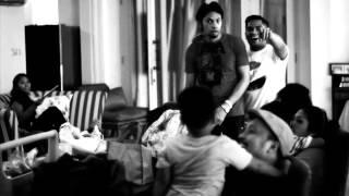 rumahsakit - Bernyanyi Menunggu (Official Music Video)