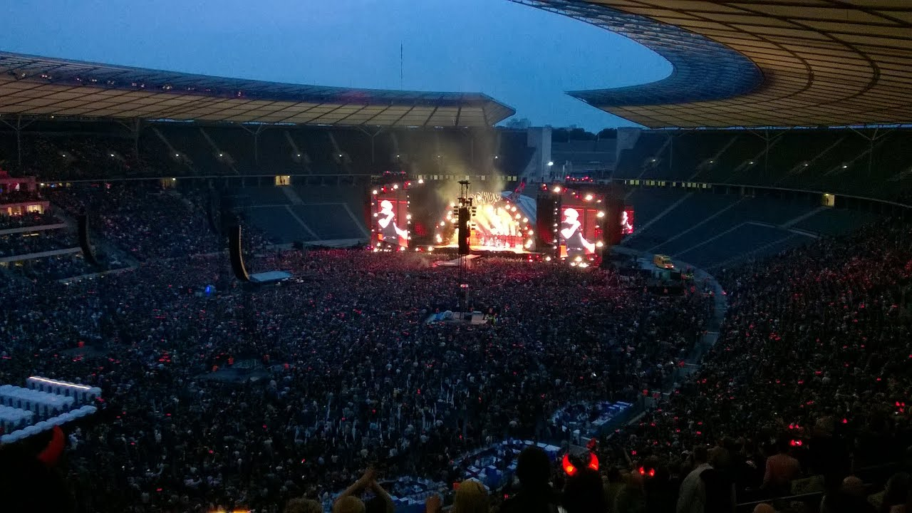 Acdc Rock Or Bust World Tour Live 2015 Berlin Angus Young