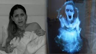 BROMA A MI NOVIA CON FANTASMA HOLOGRAMA A LAS 3AM *Halloween Prank*