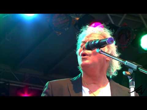 """Alfie Zappacosta   """"Me and Mrs. Jones""""   Live  --  YouTube"""