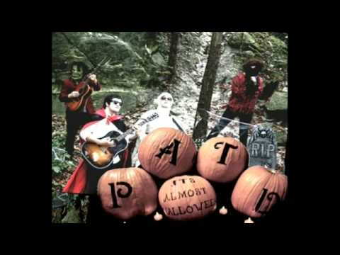 It's Almost Halloween-Panic at the Disco - YouTube