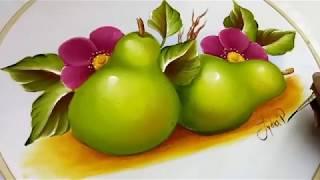 Pintura en tela como pintar frutas / peras con flores carmín