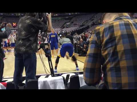 Stephen Curry pregame dribbling and passing routine w/ Bruce Fraser pre-GSW-POR G4