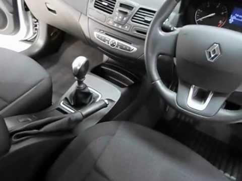 Renault Laguna - Exterior & Interior Tour of a 09 plate Laguna 1.5 ...