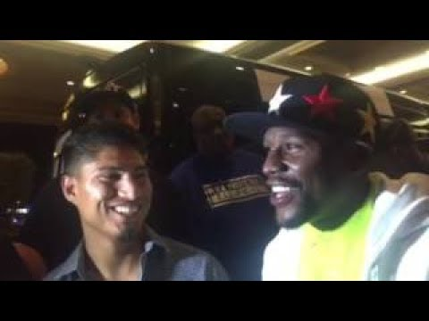 mikey-garcia-goes-off-on-floyd-flash-all-that-money-jewelry-cmon-we-need-something-new