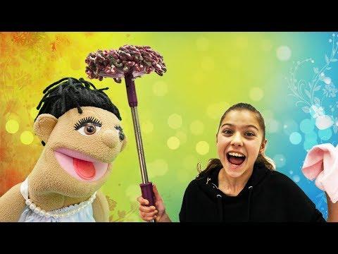 Polen temizlikçi oluyor! Eğlenceli çocuk videosu.