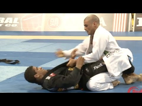 "Gilbert ""Durinho"" Burns VS Kron Gracie / World Championship 2011"
