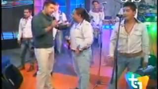 Irreversible - Yo triste y tu riendo (en vivo TOP UNO) - WWW.VIENDOESLACOSA.COM - Cumbia 2014