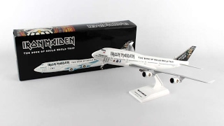 Video Iron Maiden Ed Force One Boeing 747-400 1/200 Scale Plane with Stand and Gears download MP3, 3GP, MP4, WEBM, AVI, FLV Juni 2018