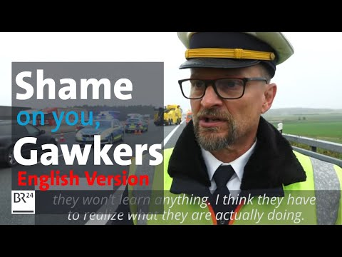 """""""shame-on-you!""""-policeman-belittles-gawkers-after-fatal-truck-accident- -br24"""