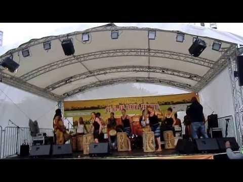 Afrikanischer Tanz MANE aus Guinea, Choreograph Bouba Diakité, Afrika Festival Kenako 2013 in Berlin