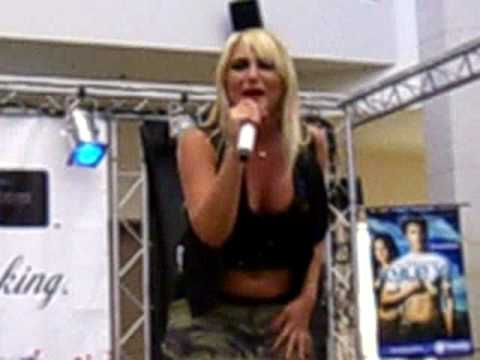 Brooke Hogan Sings About Us