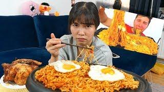 Zapętlaj ich esse Mukbang wie dieser Amerikaner (ca. 3500 Kalorien) | Pocket Hazel