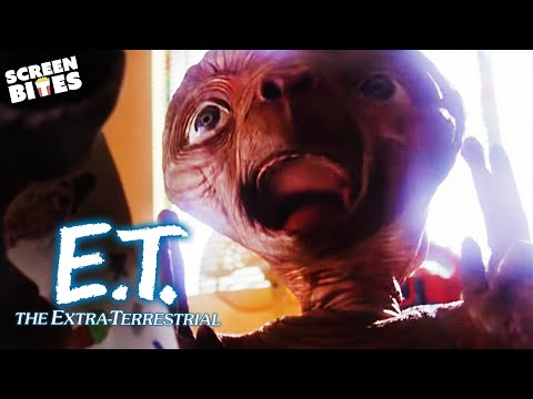 E.T. the ExtraTerrestrial  Screaming Down The House: Michael meets E.T. for the first time
