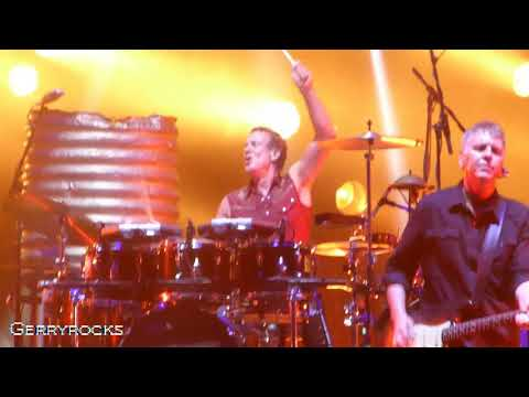 Midnight Oil - Dreamworld  (Live @ Sunshine Coast, Australia - Oct 14, 2017)
