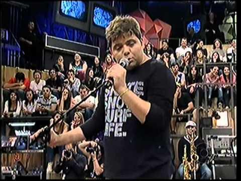 GUSTAVO MENDES - Roberto Carlos canta KUDURO em ALTAS HORAS 07/07/2012