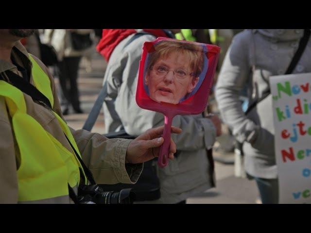"""""""Hoffmann Rózsa, menj a búsba"""" - így tüntettek a pedagógusok"""