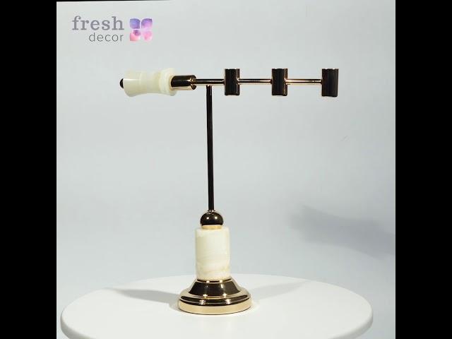Горизонтальный подсвечник на 3 свечи с мраморным основанием золотого цвета для декора вашего дома