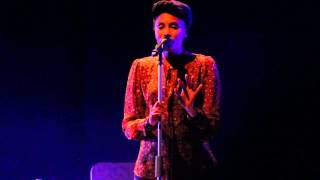 Imany live @ Teatro Nuovo (Milan) - The silver lining (NEW SONG)