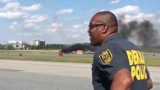 На авиашоу в США разбился самолет. Видео(Новости сегодня #Новости ежедневная информационная программа, сообщающая о наиболее важных событиях в..., 2016-05-15T02:16:54.000Z)
