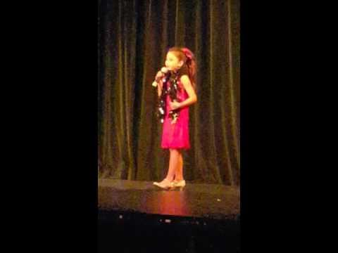 Download lagu baru Brooke singing Live Life by Jesse and joy di ZingLagu.Com