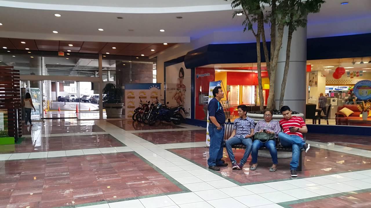 Centro comercial la gran via el salvador 4k resolution for Gran via el salvador