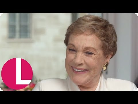 Dame Julie Andrews Discusses Her Career, Losing Her Singing Voice and Going to Therapy | Lorraine