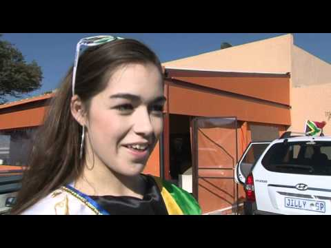 World Cup 2010 - BBC World News : Meeting Miss Junior South Africa